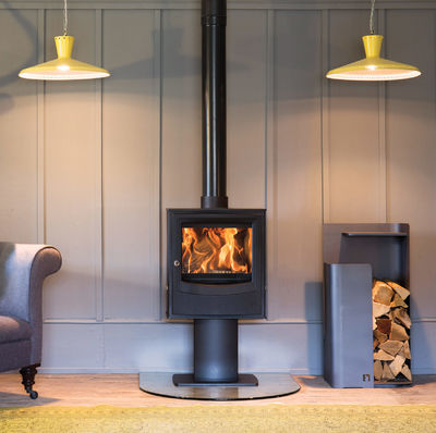 Arada Farringdon Small Stove on a pedestal