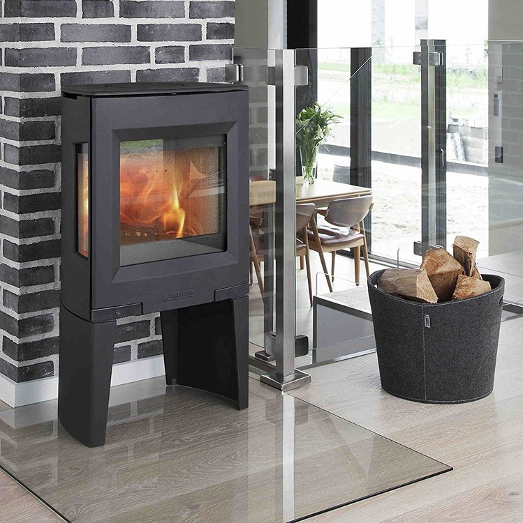 Click to read more about the Aduro 13 woodburning stove
