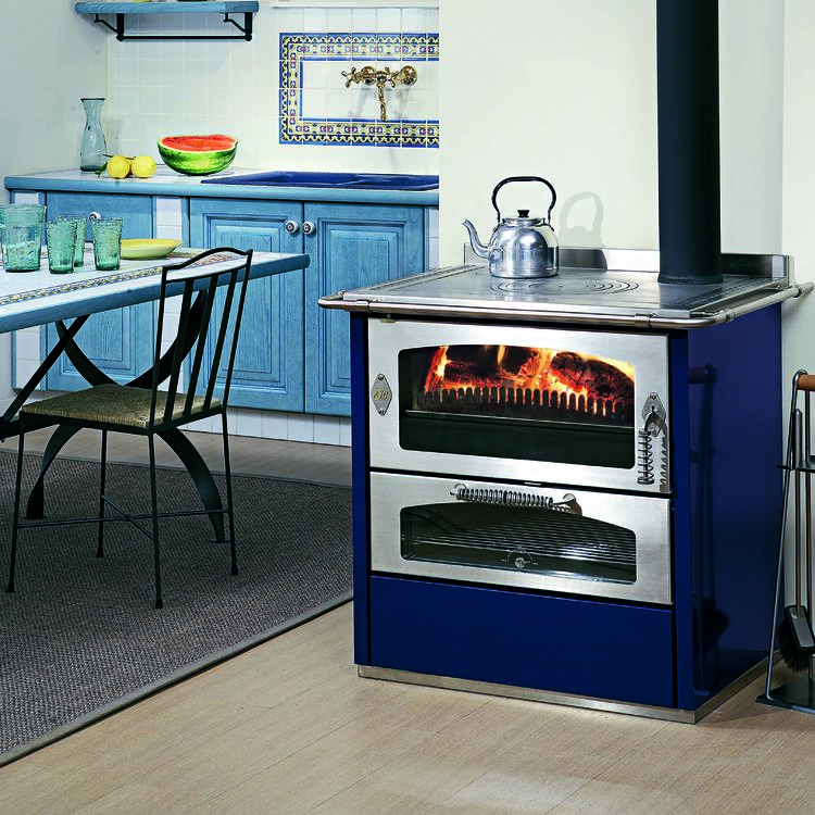 De Manincor Domino 8 wood cooker stove