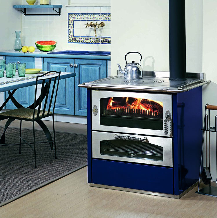 Click to read more about the De Manincor Domino Wood Cooker Stoves