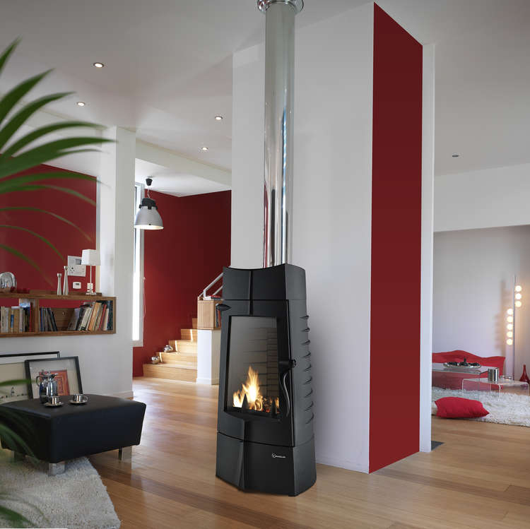 Click to read more about the Invicta Chamane woodburning stove