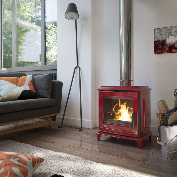 Click to read more about the Invicta Sedan S stove