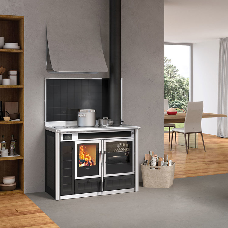 Click to read more about the Klover Altea 110 stove
